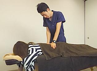 筋、筋膜、関節運動による「飛船式」慢性腰痛に特化した施術を受けることができるから